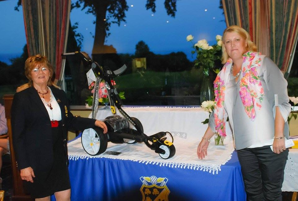 Lesley Molloy Winner of the Lady Captain's ( Brid Snow ) Prize 2016