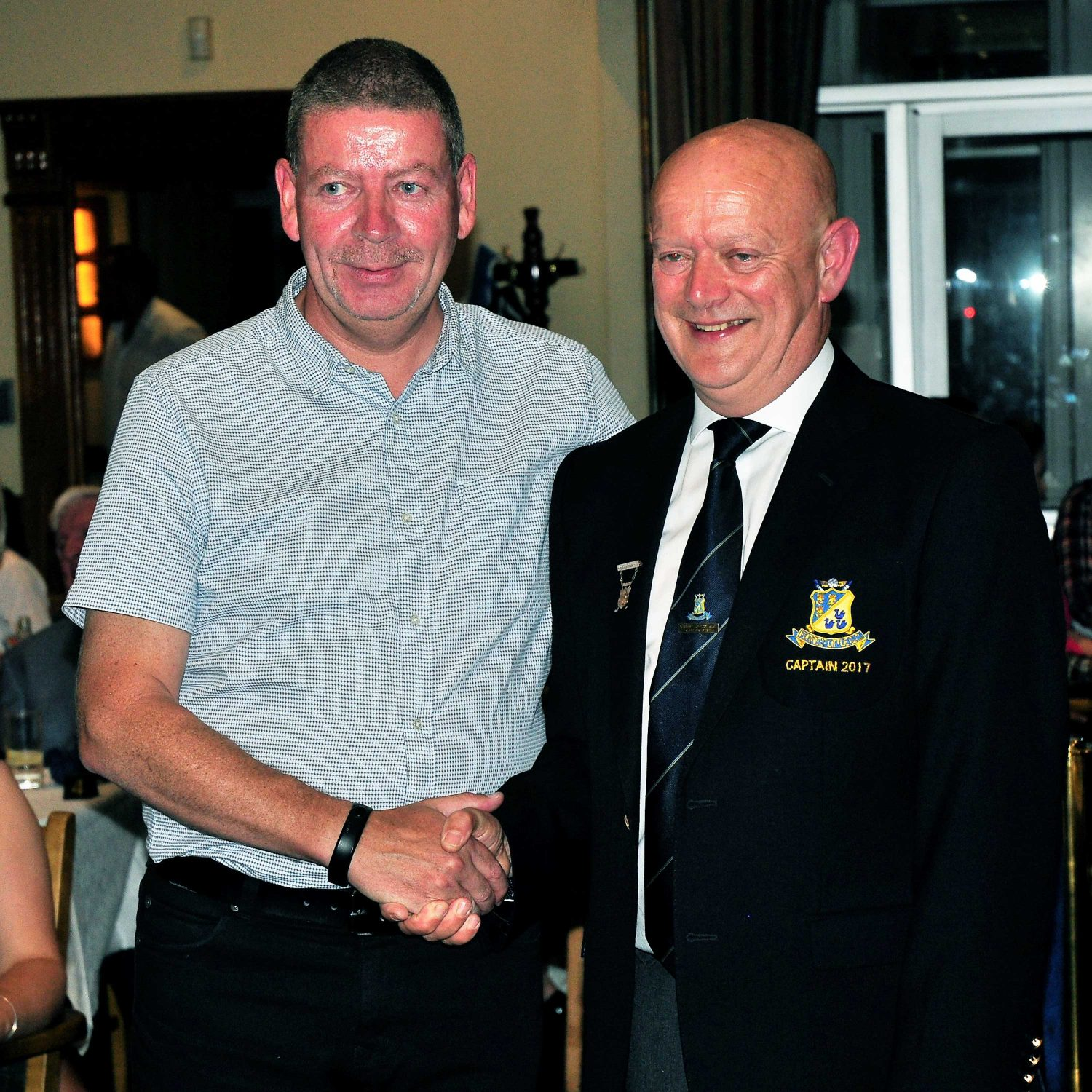 Derek-McCabe-winner-of-Captain's-Prize-2017