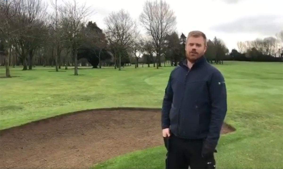 Diarmuid chatting to Sean Dunne